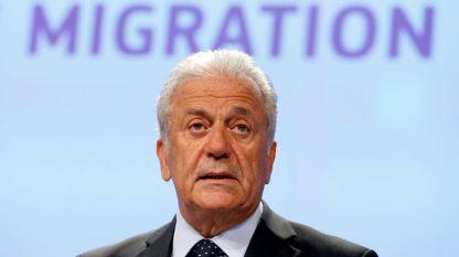 Комисарят по миграцията Димитрис Аврамопулос призова за единство членките на ЕС за решаване на проблема със спасените мигранти в Средиземно море.