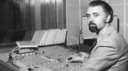 Димитър Палашев зад звукорежисьорския пулт, средата на 70-те години на миналия век.