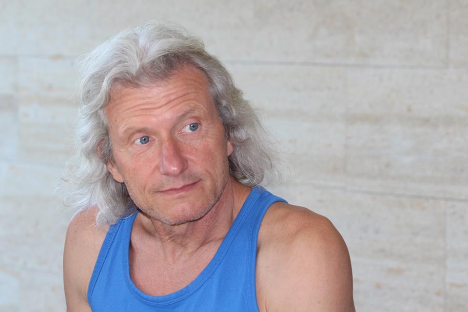Валентин Колчев-Миро се занимава с йога над 10 години