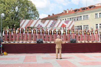 """""""Тунджа пее и танцува"""" гр. Елхово"""