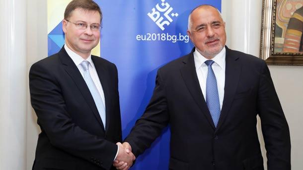 Valdis Dombrovskis (majtas) dhe Bojko Borisov