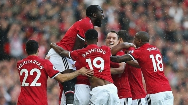 """Трета победа за """"Манчестър Юнайтед"""" с 4:0"""