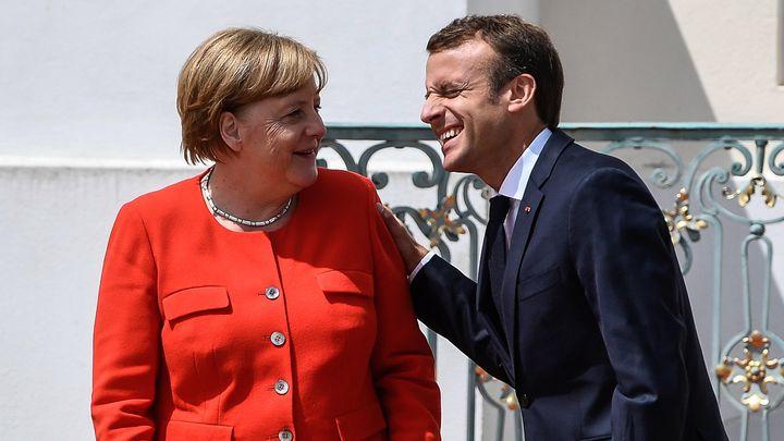 Ангела Меркел и Еманюел Макрон на срещата им в двореца