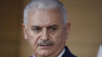 Турският премиер Бинали Йълдъръм призова Русия и САЩ да оставят настрана съперничеството си, защото могат да пострадат цивилни в Сирия.