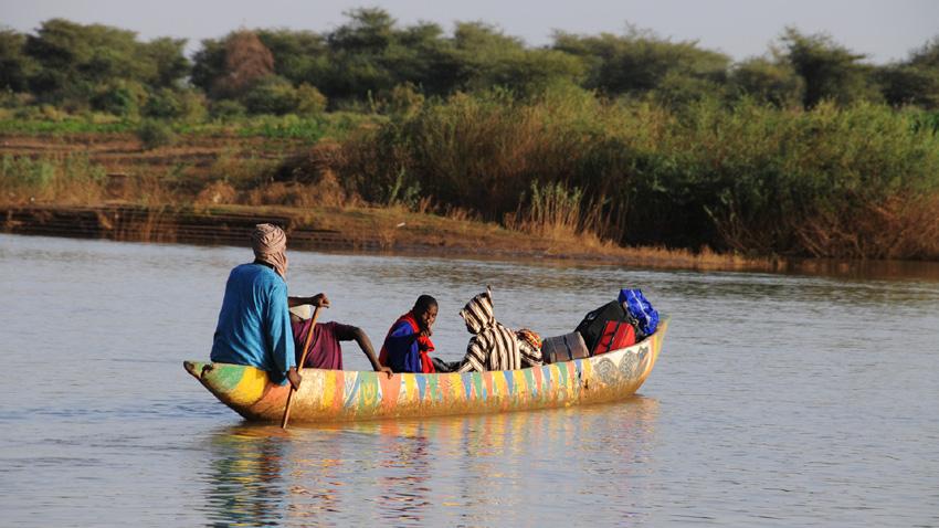Лодка по река Сенегал