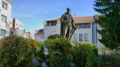 Паметникът на Цанко Дюстабанов в Габрово