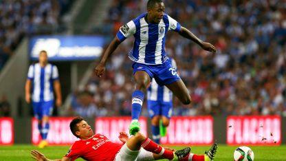 Порто и Бенфика водят битката за първото място.