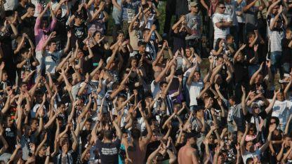 Фенове на Локомотив Пловдив изненадаха своите любимци в Турция