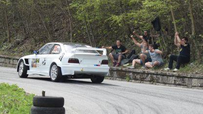 Автомобилът на Николай Георгиев секунди преди инцидента.