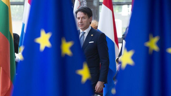 Италианският премиер Джузепе Конте пристига за срещата на върха на ЕС в Брюксел.