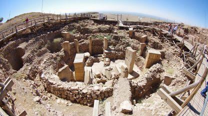 """""""Гьобекли тепе"""", IX хилядолетие преди новата ера, е разположен на 15 километра североизточно от град Шанлъурфа, в южна Турция."""