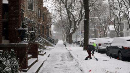 В САЩ, в щатите Върмонт, Мейн и Ню Хемпшър температурите паднаха до минус 37 градуса под нулата.