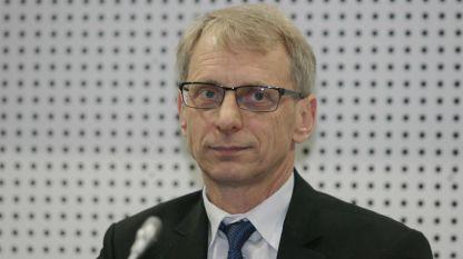 проф. Николай Денков