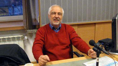 Проф. Златко Кълвачев в студиото на БНР