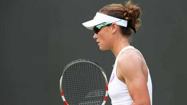 Защитаващата титлата си Саманта Стосър (Австралия) се класира за четвъртфиналите