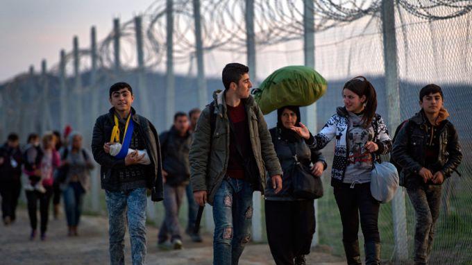 Протести в Гърция заради прехвърлянето на мигранти към вътрешността на страната