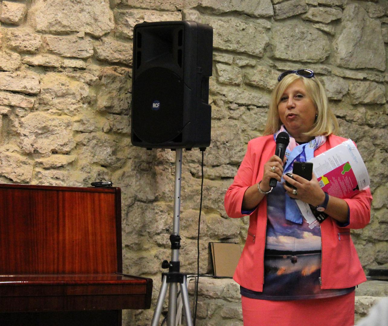 Жени Михайлова