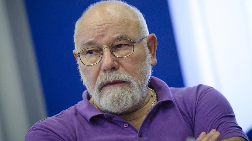 Проф. Владимир Зарев