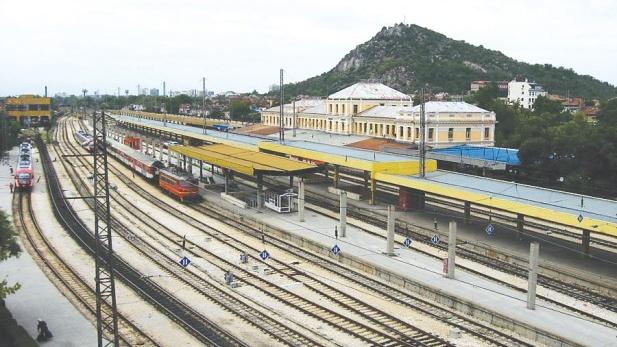 f9131c53e63 Два месеца влаковете между Пловдив и Стара Загора ще минават през  Димитровград
