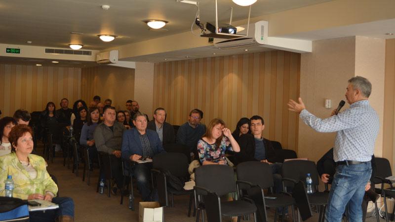 Кметът на Монтана Златко Живков представи проектобюджета за 2017 г. преди утрешното публично обсъждане на финансовата рамка.