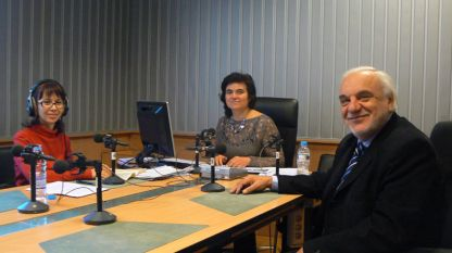 """Росица Кавалджиева, Нина Цанева и Пламен Карталов (отляво надясно) в студиото на програма """"Христо Ботев"""