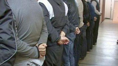 Задържани 26 души