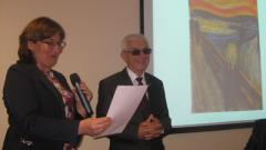 Председателят на Общинския съвет в Белоградчик Мирослава Чавдарова връчи почетния знак на академика.