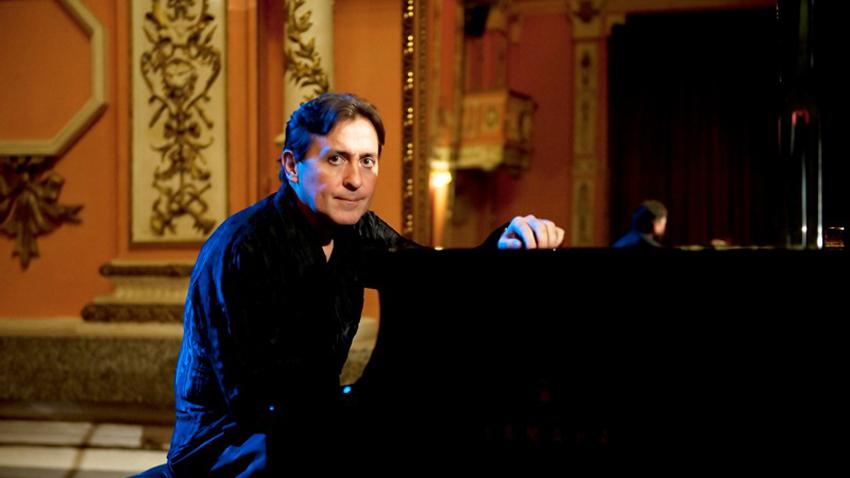 Пианистът Людмил Ангелов