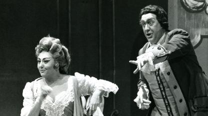 """Режин Креспен (в ролята на Маршалката) и Майкъл Лангдън (в ролята на Барон Окс) в """"Кавалерът на розата"""" от Рихард Щраус, 1969 г."""
