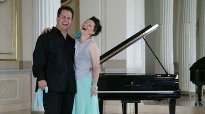 """Аглика Генова и Любен Димитров - най-известното и аплодирано клавирно дуо в света. По покана на БНР ще изнесат концерт в зала """"България"""" на 19 февруари, от 19 часа."""