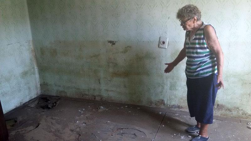 В един от пострадалите домове в Мизия година след бедствието