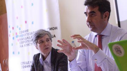 """Хосе Мариа Луна Агиляр, директор на фондация """"Пикасо"""". Преводът дължим на Дора Цветкова"""