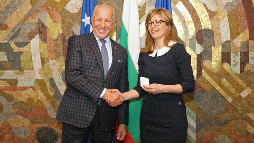 Αικατερίνα Ζαχάριεβα - Μπετζέτ Πατσόλι