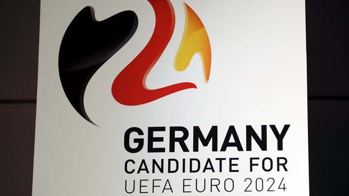 Бившият капитан на германския национален отбор Филип Лам е посланик