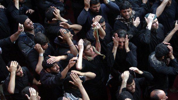 Милиони шиити в Ирак отбелязаха свещения ден Ашура, събирайки се