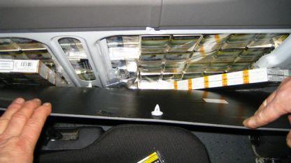 Цигарите са били в специален тайник в ремаркето на автомобила