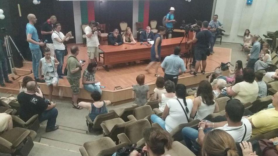 Срещата между родителите и представители на общината