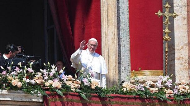 Папа Франциск на площад