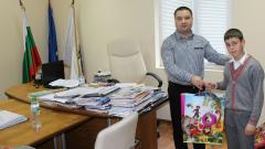 Кметът Неждет Шабан награди лично най-малкия призьор в шахматния турнир