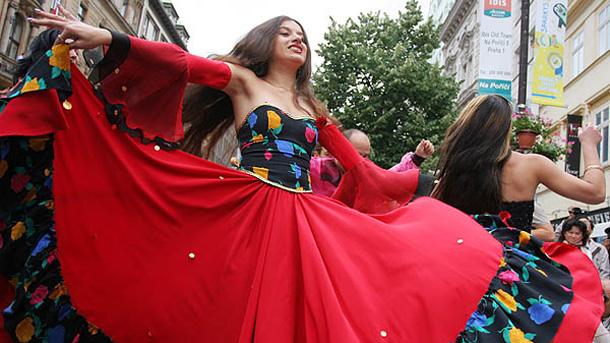 Представление по време на световния ромския фестивал в Прага.