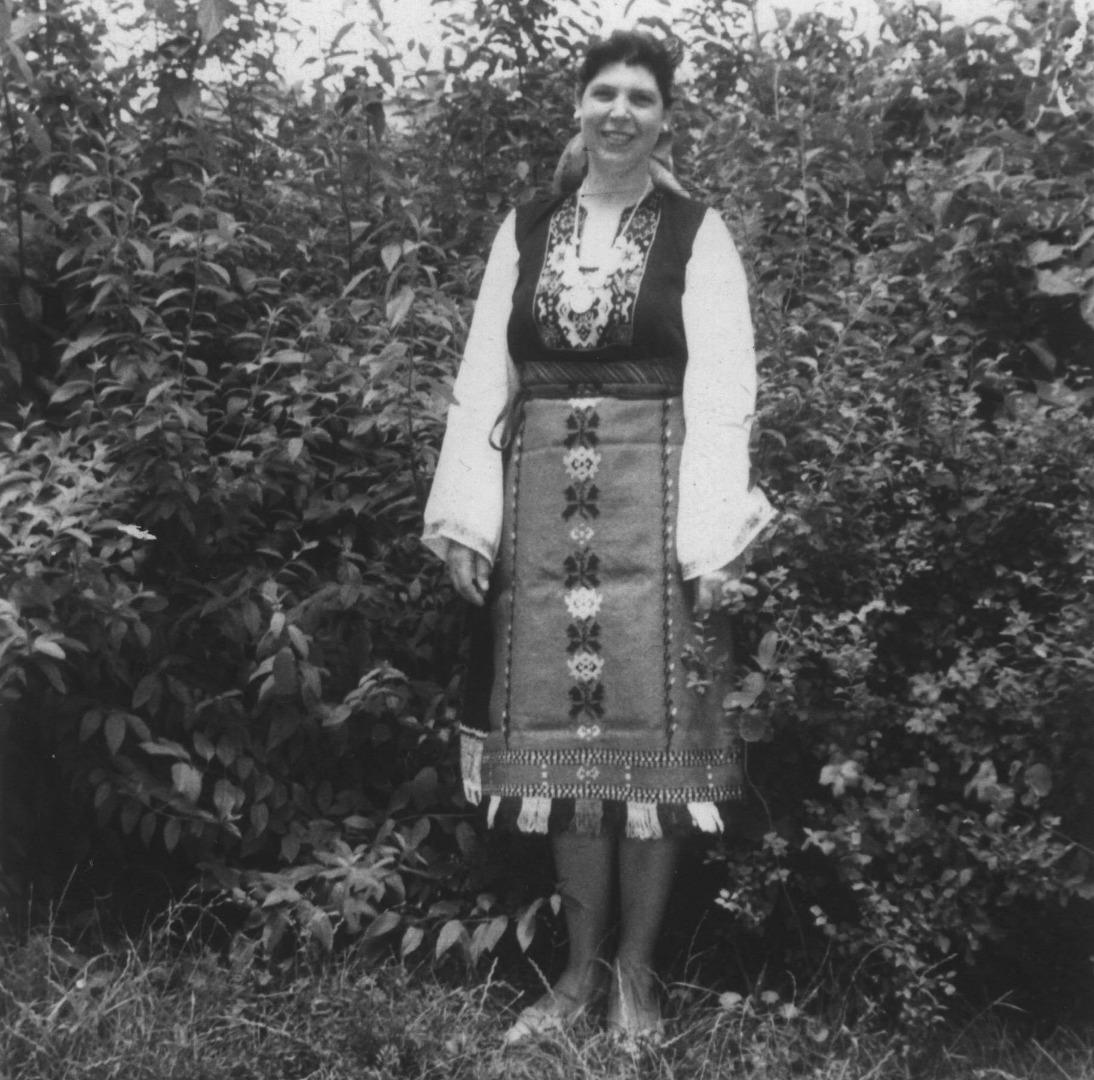 Певицата Кина Димитрова от с. Ясна поляна, отличена с първа награда. Архив: Георги Драганов