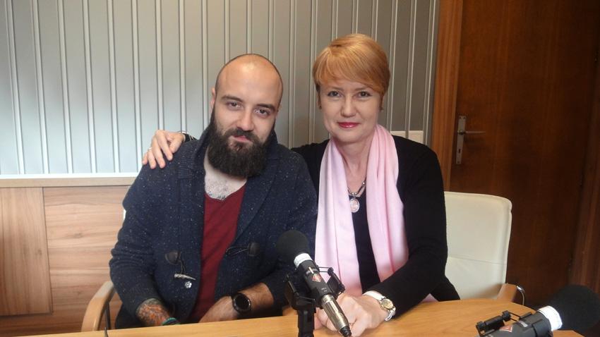 Петър Македонски и Аделина Александрова в студиото на предаването.
