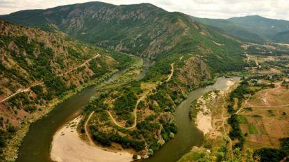 Меандрите на река Арда край град Маджарово