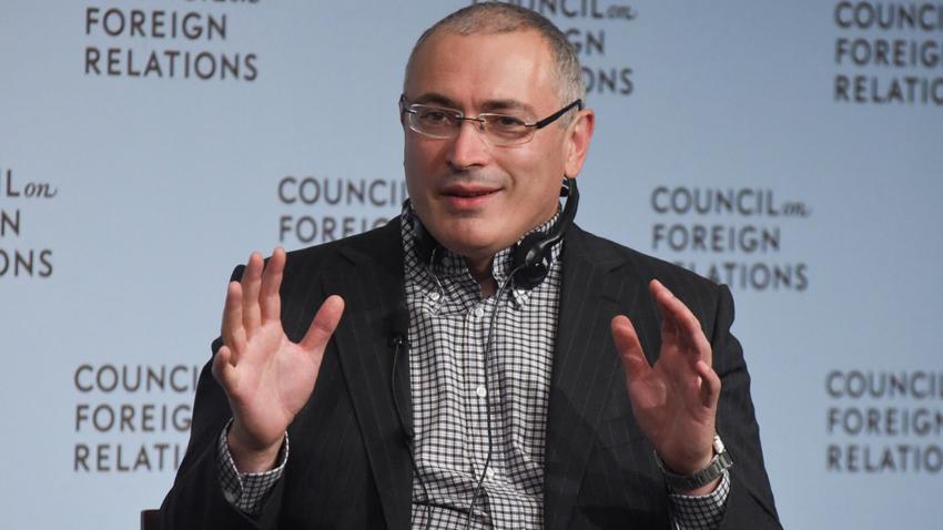 Бизнесменът Михаил Ходорковски и бившият съсобственик на ЮКОС Леонид Невзлин