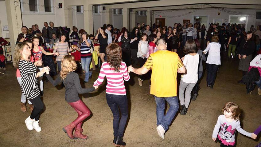 Ντισκοτέκ με παραδοσιακούς χορούς. Φωτογραφία: Τσόνκο Στογιάνοφ