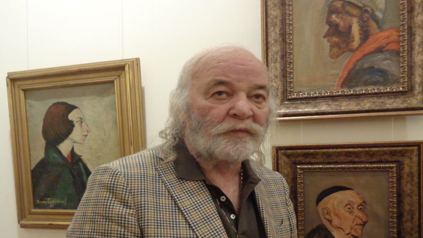 Boyan Radev and two of his favourite paintings: Jew (Zlatyu Boyadzhiev's early period) and Gipsy (1968)