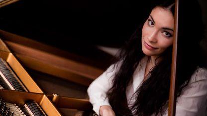 Пианистката Надежда Цанова