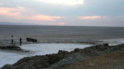 В Западната част на пустинята Сахара в Тунис се намира пресъхналото солено езеро Шот ел-Джерид. Рано сутрин – на изгрев слънце, тук се събират много хора, включително и чужденци, за да присъстват на появата на мираж.