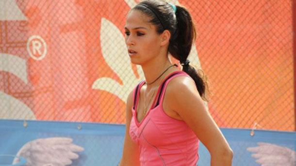 Изабелла Шиникова полуфиналистка на двойки в Испания