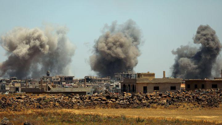 Боеве в понеделник в Ал Харак в южната сирийска провинция Дераа.